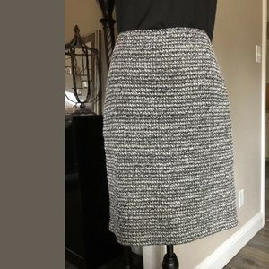 ST. JOHN SZ 6 Knit Skirt Wool Silk Black & Ivory